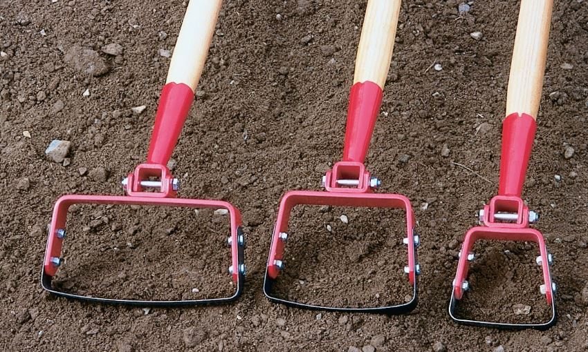 Stirrup Hoe Tool For Garden